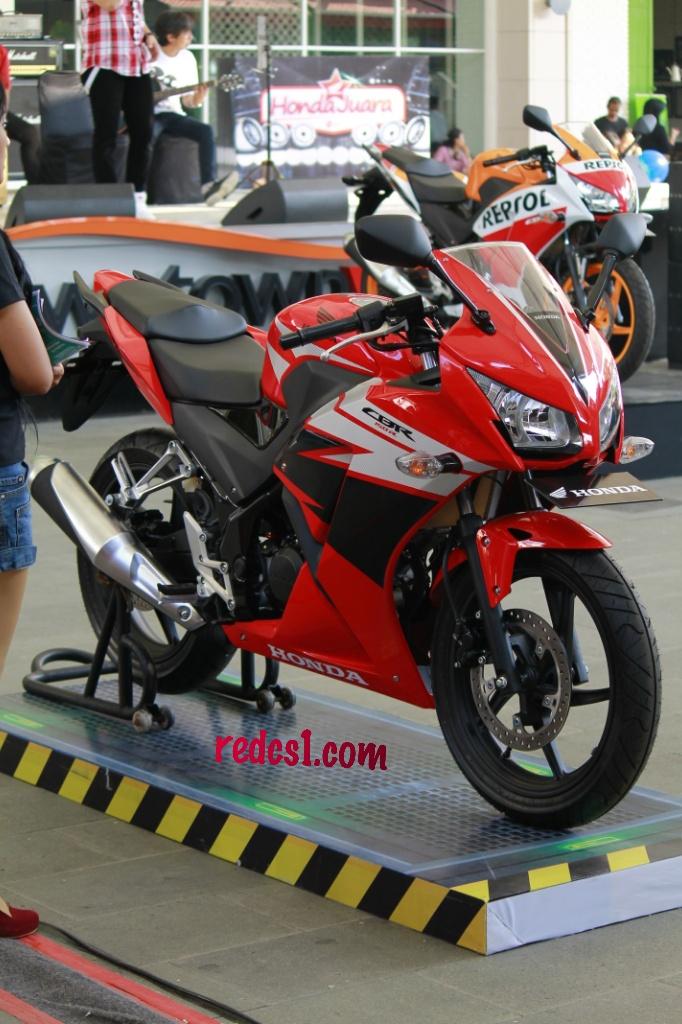Galeri Honda All New CBR150R Champions Red Speedy Black Samz